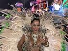 Katiely Kathissumi desfila com fantasia ousada no Carnaval de SP