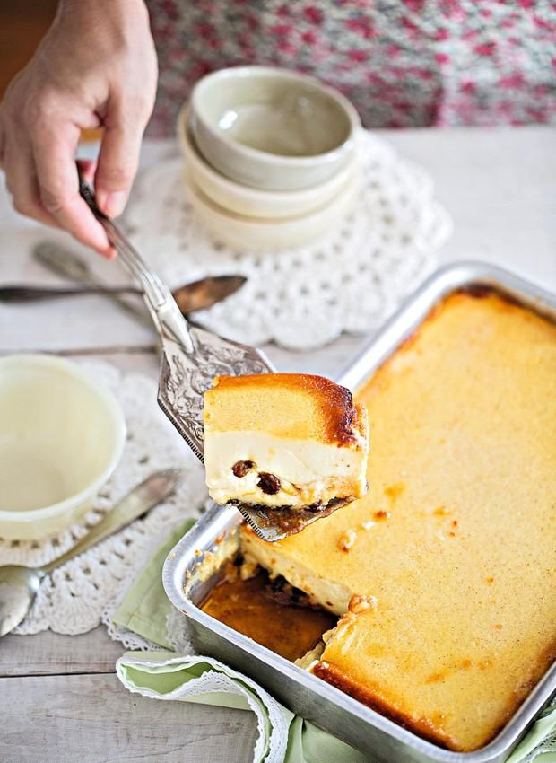 Pudim de pão (Foto: Elisa Correa / Editora Globo)