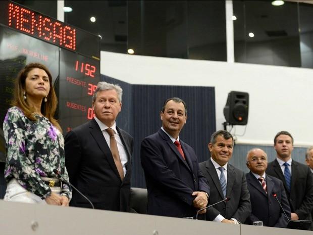 Governador e prefeito de Manaus participaram da cerimônia na CMM (Foto: Alex Pazuello/Agecom)