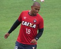 Registrado, Walter treina na folga para antecipar a reestreia pelo Atlético-PR