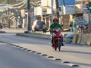 Ciclomotores são conhecidos como cinquentinhas (Foto: Reprodução / Bom Dia Brasil)