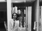 Luciana Gimenez posa de camisola transparente e sem lingerie