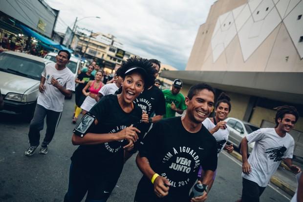 Sheron Menezes participa de corrida de rua em Madureira, no suburbio do Rio (Foto: Divulgação)