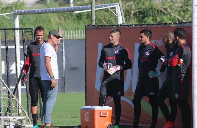 Taffarel preparador de goleiros Seleção Inter (Foto: Tomás Hammes / GloboEsporte.com)