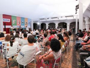 Segunda mesa da Flica desta sexta-feira destacou centenário de escritor Adônias Filho (Foto: Henrique Mendes / G1)