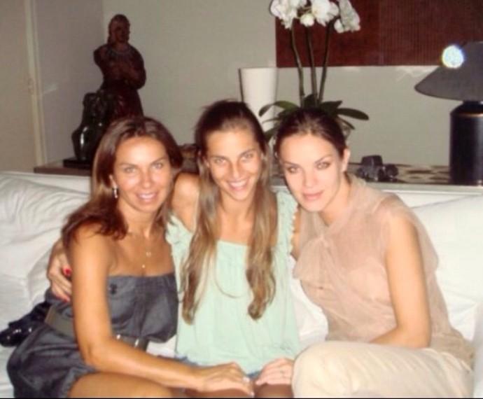 Michele Birkheuer com irmã e mãe (Foto: Arquivo pessoal)