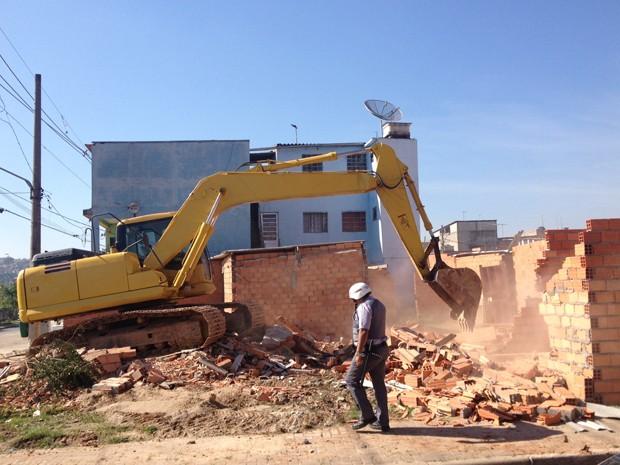 Reintegração de posse em terreno da CDHU na Zona Leste de São Paulo (Foto: Letícia Macedo/ G1)