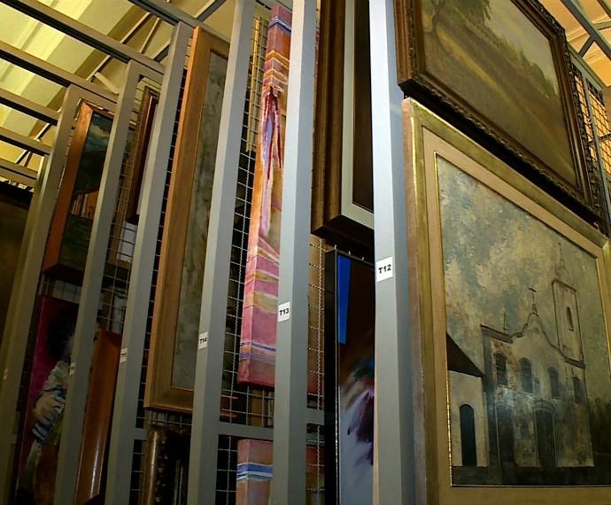Pinacoteca Aldo Locatelli Mistura com Rodaika Porão do Paço Acervo Obras (Foto: Reprodução/RBS TV)