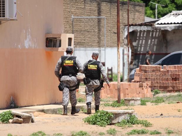Militares da Força Nacional estão atuando dentro da Penitenciária Agrícola de Monte Cristo (Foto: Inaê Brandão/G1)