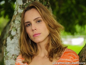Lívia de Buena vive a misteriosa Laura (Foto: Alex Carvalho)