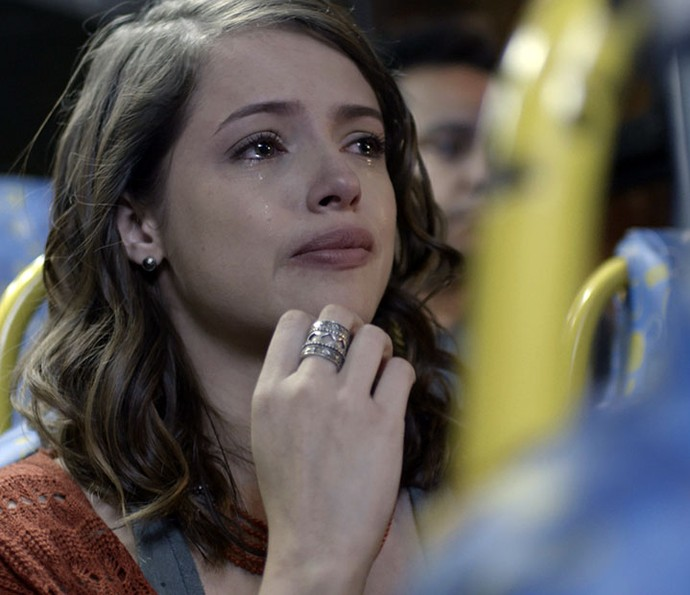 Camila fica chocada quando descobre que era perversa antes do acidente (Foto: TV Globo)