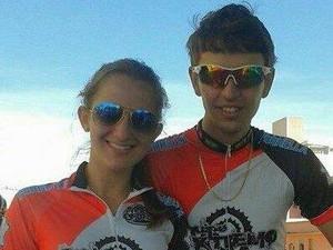 Gabriel Tonhão e sua namorada Luana em Moutain Bike (Foto: Gabriel Henrique/Arquivo Pessoal)