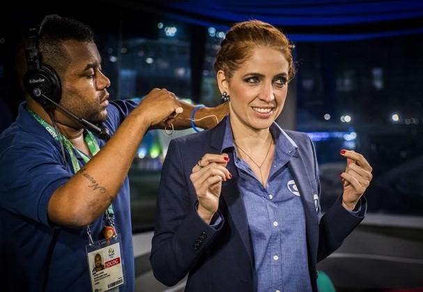 Olimpiadas Rio 2016 - Fantástico - Poliana Abritta se prepara para entrar no ar (Foto: Globo)