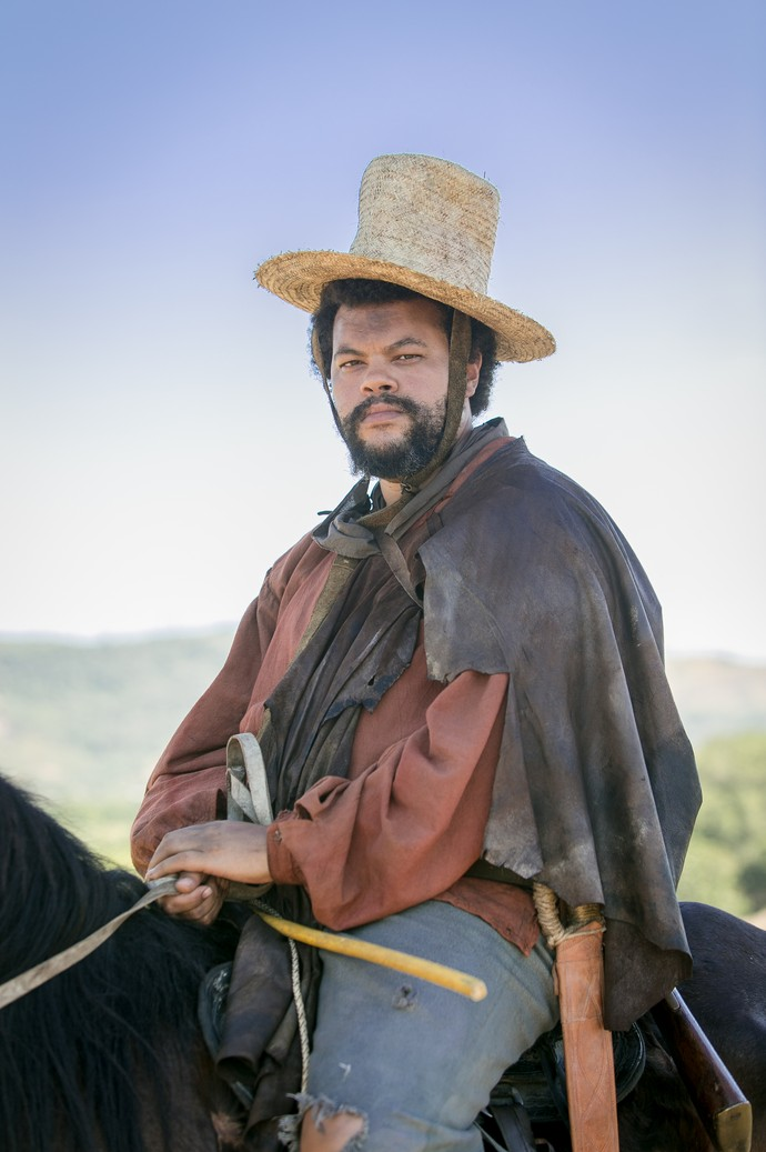 Babu Santana interpreta Jacinto em 'Novo Mundo' (Foto: Globo/ Raquel Cunha)