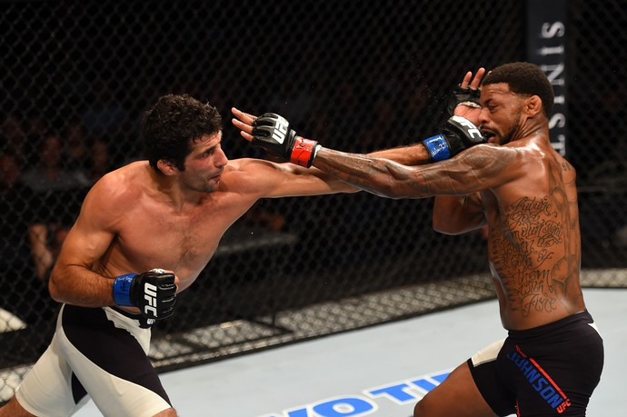 Beneil Dariush x Michael Johnson (Foto: Getty Images)