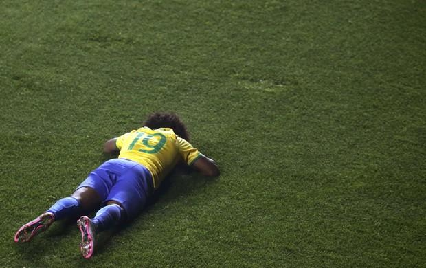 Willian Brasil x Paraguai