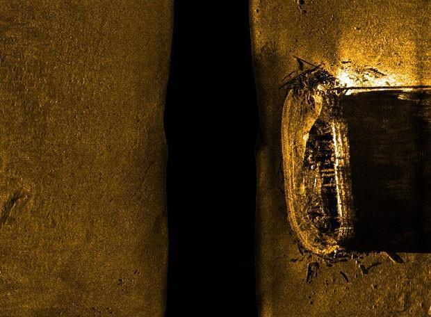 Imagem de sonar mostra o navio no fundo do mar; embarcação desapareceu em 1845 durante expedição ao Ártico (Foto: AP Photo/Parks Canada, via The Canadian Press)