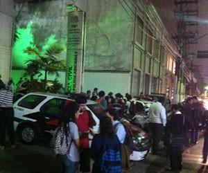 Movimentação em frente ao 78º DP, nos Jardins, para onde detidos foram levados (Foto: Rodrigo Mora/G1)