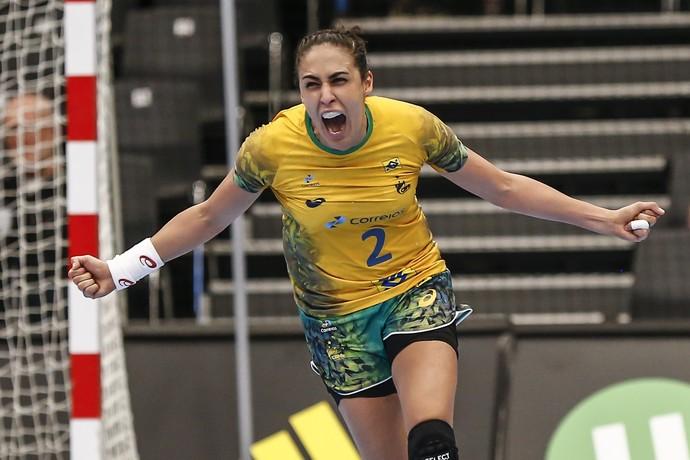 Dara comemora gol pelo Brasil no Mundial da Dinamarca (Foto: Wander Roberto/Photo&Grafia)