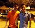 Diego Costa curte folga-relâmpago em Sergipe e faz fotos com alguns fãs