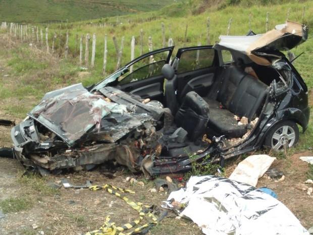 Acidente aconteceu na PE-120 em Catende. (Foto: Divulgação/Polícia Civil)