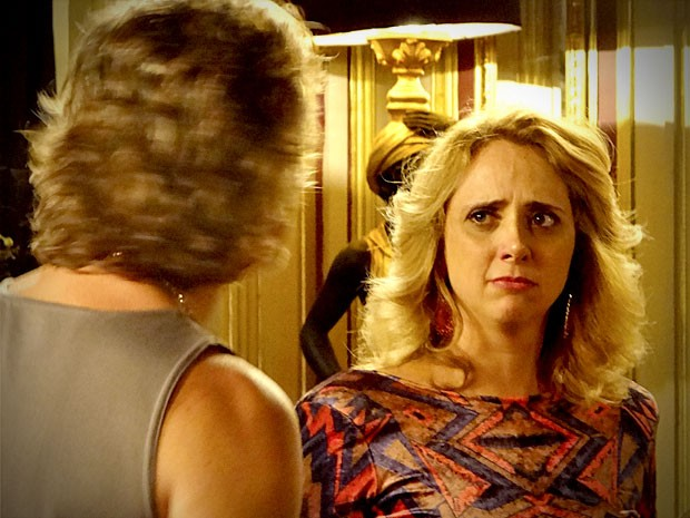 'Max, se algum dia eu souber que você me traiu, eu te mato!', ameaça Ivana  (Foto: Avenida Brasil / TV Globo)