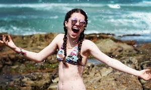 Catarina Estralioto curtiu, cantou e se divertiu com os amigos do The Voice Kids no litoral da Bahia (Foto: Arquivo pessoal )