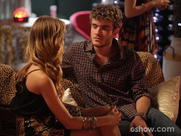 Sidney e Sofia se alfinetam (Foto: Pedro Curi / Tv Globo)