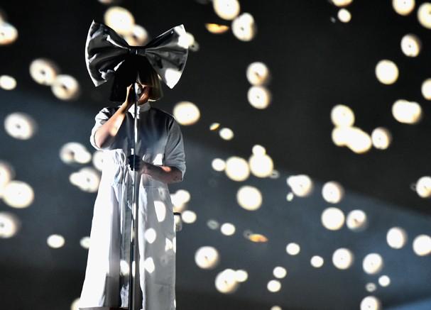 Sia é contra o uso de pele animal em roupas! (Foto: Getty Images)
