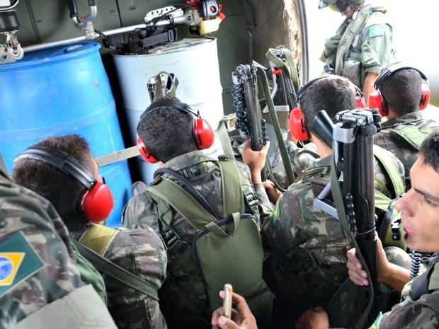Militares não conseguiram confirmar a existência das pistas irregulares nas regiões de fronteira do Acre  (Foto: Vanísia Nery/ G1)