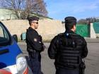 Sala de oração muçulmana é atacada e saqueada em ilha francesa