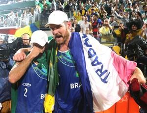 Alison e Bruno, Brasil X Itália Vôlei de praia Final (Foto: Ernesto Carrico / O Dia / Nopp)