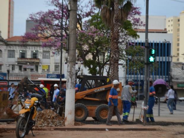 Avenida Francisco Glicério em segunda fase das obras em Campinas (SP) (Foto: Marina Ortiz/ G1)