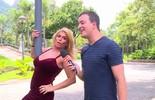 Cida Moraes, do BBB 2, faz pole dance nos Estúdios Globo