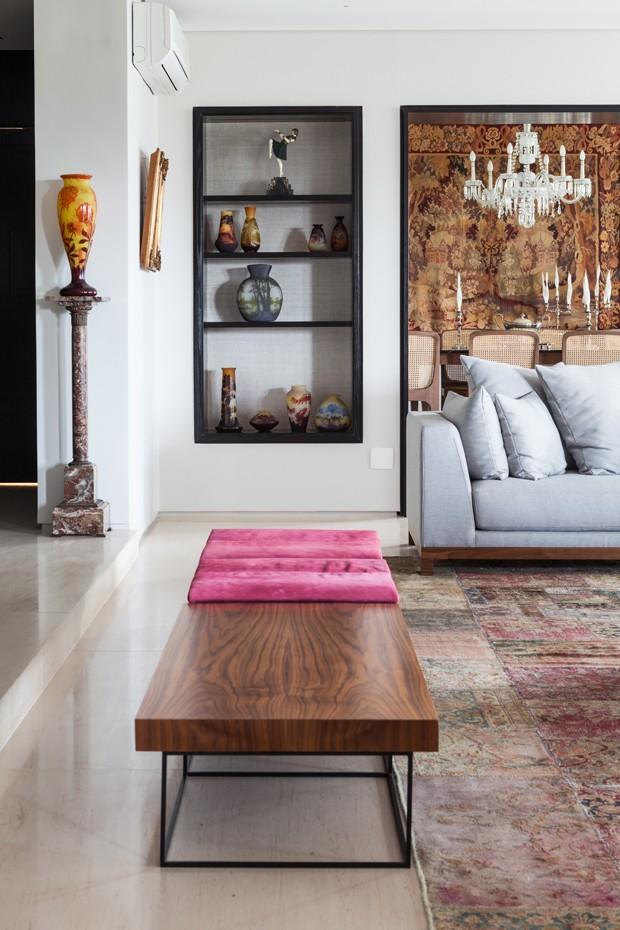 Reforma traz ambientes integrados e ar moderno para apartamento  (Foto: Divulgação)