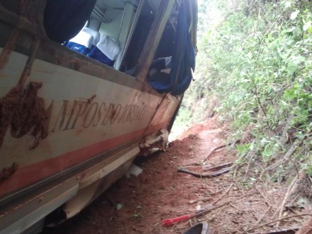 Trem sofre acidente em Santo Antônio do Pinhal (Foto: Renato Ferezim/G1)