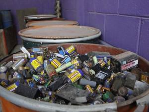Pilhas e baterias também são recolhidas em São José dos Campos. (Foto: Charles de Moura / Prefeitura de São José dos Campos)