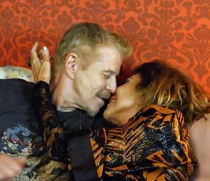 Ruço pede Darlene em casamento (Foto: TV Globo)