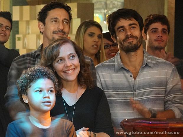 Vera, Ronaldo e João Luiz ficam de cara com o talento dos garotos (Foto: Malhação / TV Globo)