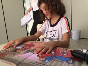 Yasmin na escola Araxá (Foto: Maritza Borges)
