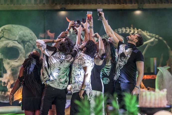Brinde Festa Ossos (Foto: Artur Meninea/Gshow)