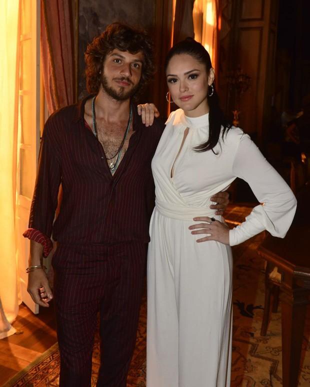 Isabelle Drummond e Chay Suede (Foto: Fabio Cordeiro/Ed. Globo)