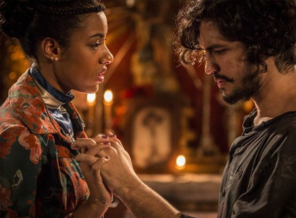 Yara contracena com Gabriel Leone numa cena de Velho Chico:  (Foto: Reprodução/ TV Globo)