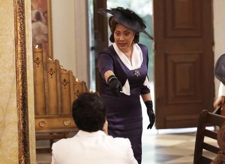 Anastácia manda parar o casamento e Ernesto foge!