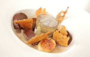 Ganache de chocolate com pé de moleque e canjica