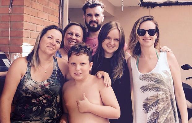 Roseli, Ângela, Enzo, Vicente, Paula e Thaís (Foto: Arquivo Pessoal)