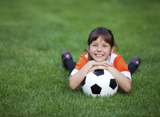 esporte; futebol; bola; criança; menino (Foto: Thinkstock)