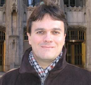 O professor e pesquisador Sergio Ferreira é um dos líderes do grupo de pesquisas sobre a relação entre a doença de Alzheimer e o diabetes, na UFRJ (Foto: Acervo Pessoal)