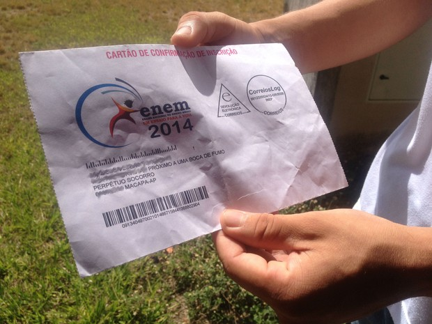 Estudante identificou como ponto de referência para o cartão de confirmação de inscrição a expressão 'próximo a uma boca de fumo'  (Foto: Dyepeson Martins/G1)