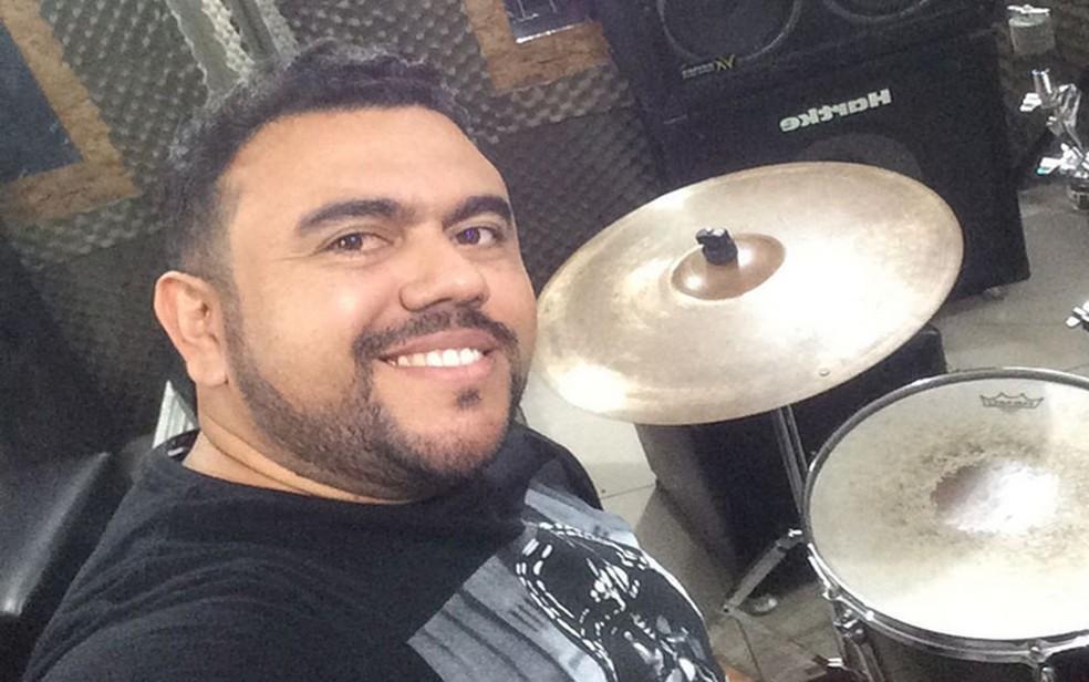 Sérgio Ramos era esposo de Eliza Clivia e baterista da banda (Foto: Rede Social/Instagram)